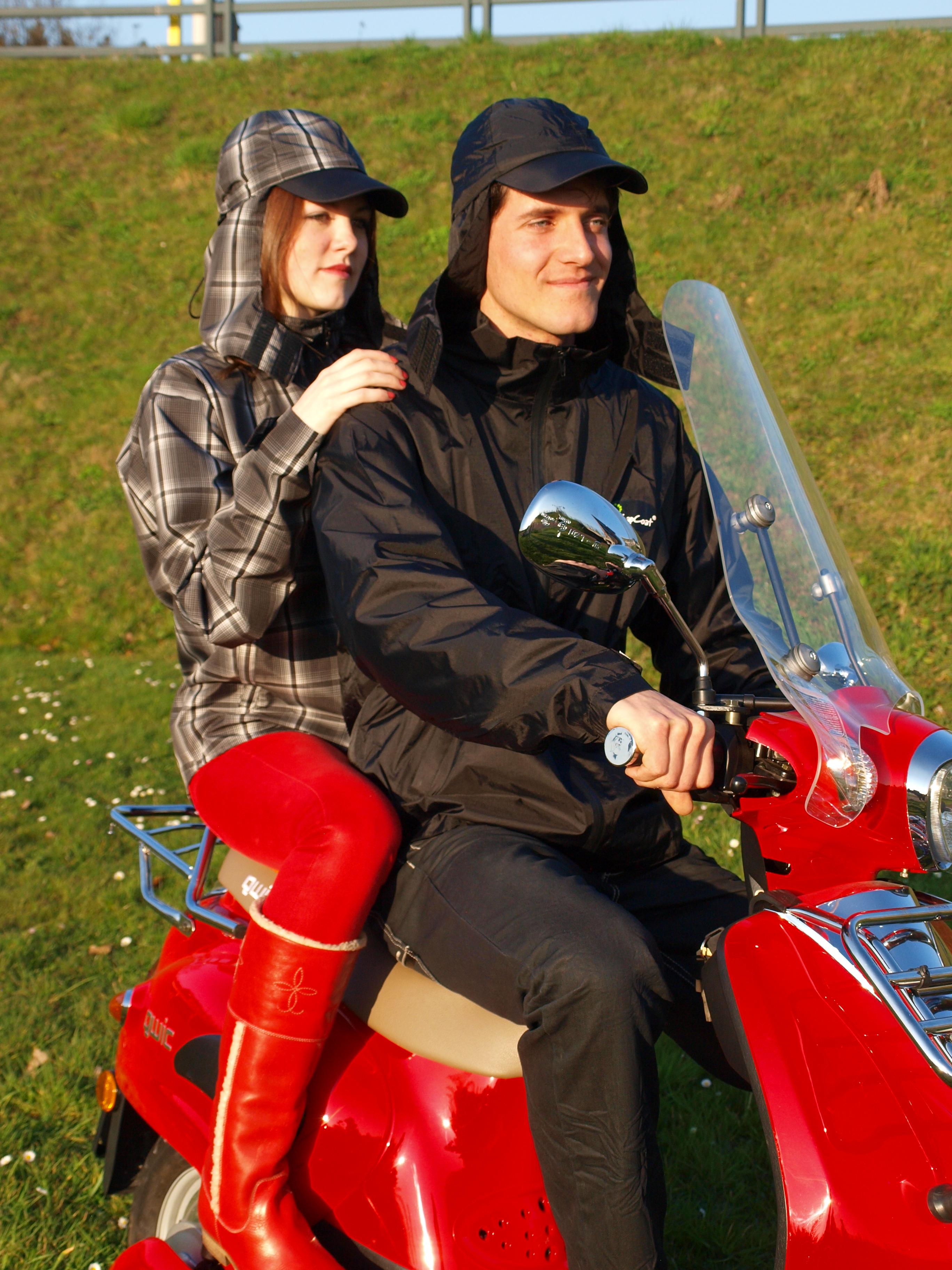 samen op de scooter